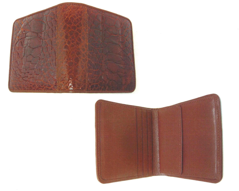 カメ口金バックを二つ折り札入れ(縦型)にリメイク  札入れは中央に仕切りがあります