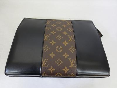 セカンドバッグに作り直ししました。